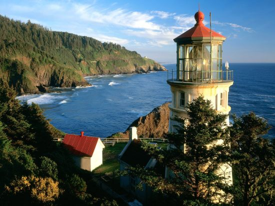 beautiful-heceta-head-lighthouse-view