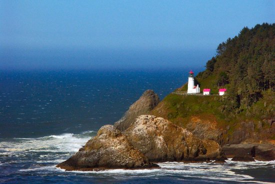 heceta-head-lighthouse-view-oregon1